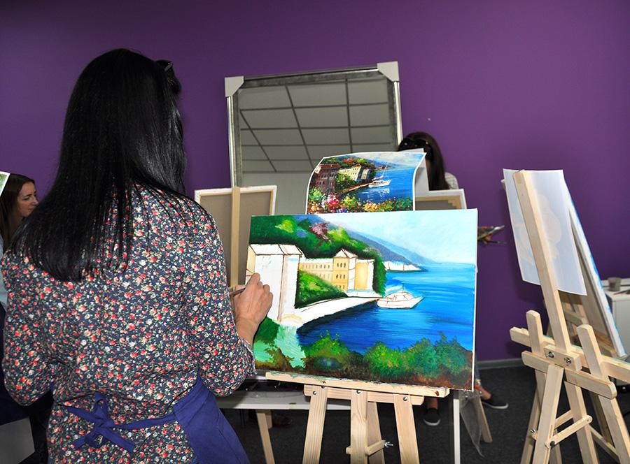 картина на мастер классе с киевским художником